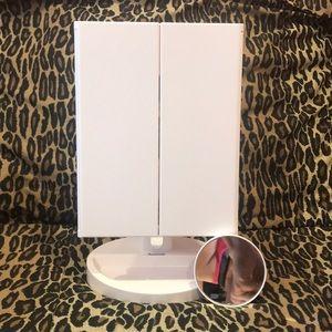 Auxmir Bath - Auxmir NWOT trifold LED lighted make up mirror